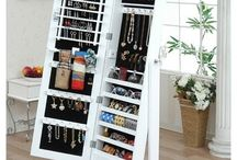 Storage solutions / great storage to minimise clutter and increase organisation