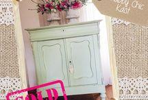 Styling Meubels / Superleuke opgeknapte (antieke) meubels in een nieuw jasje!  Heb je zelf nog een meubel waar je wat nieuws mee wil of zoek  je iets speciaals, ik werk ook in opdracht. Neem gerust contact  met me op dan bespreken we vrijblijvend de mogelijkheden!  info@thanea.nl