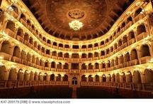 Teatri e bel canto made in Emilia-Romagna / Teatri e bel canto made in Emilia-Romagna: i teatri, i grandi artisti nati e vissuti lungi