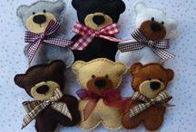 Felt (bears)