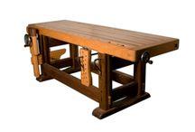 Banchi da lavoro / Banchi da lavoro in legno, la bellezza della tradizione, oggetti da arredamento e strumenti da lavoro.  Stupendi in una casa come nel laboratorio, vediamoli