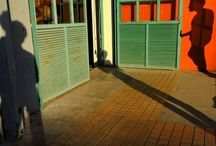 Shadows and silhouettes / Colors and shadows #photography #photooftheday #photogram #photoshoot #abstractstreetphotography