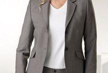 Yrityksen pukukoodit / Arkipukeutuminen ja esiintymis-myyntipukeutuminen