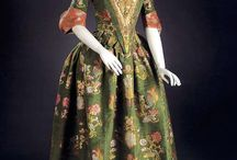 Well-Dressed History: 1700-1739