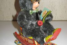 Battery Operated Tin Toys / Battery Operated & Mechanical Toys