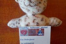 Hračky - soutěžní příspěvky / Háčkované, šité a pletené hračky do soutěže o knížky... Výtěžek z prodeje hraček věnován organizaci OUT OF HOME, která pomáhá dětem z dětských domovů.