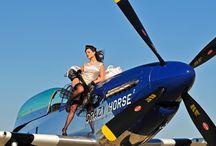 девушки самолеты