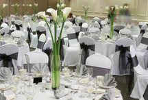 Tisch- und Sitzordnung für Hochzeit / Sind Sie auf der Suche nach Tisch- und Sitzordnung für Ihre Hochzeit? Dann sind Sie hier genau richtig!  Auf Moderne Hochzeit finden Sie unter Ratgebern viele Vorschläge im Bereich Tisch- und Sitzordnung.