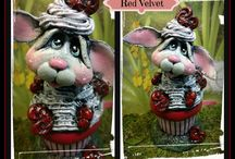 Faux Cupcakes by OldeMoonlane Primitives / Hand sculpted Fake cupcakes