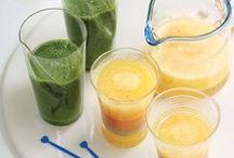Säfte & Smoothies / Welche Frucht-Kombinationen passen am besten zusammen? Lieber entsaften, oder Smoothies mixen? Hier finden Sie köstlich gesunde Drink-Rezepte.