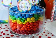 Rainbow party ideas / Easy rainbow decor ideas for our Little Monkey's first birthday party