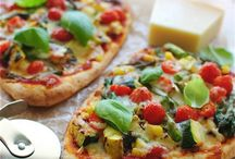 Vegetarian Pizza / Pizza, pizza and more veggie pizza / by VeggieBoards