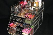 Organizing the makeup..