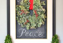 Christmas Decor that I Love / by Lynne McKenzie