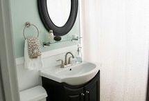Cottage bathroom / by Paula Elenbaas