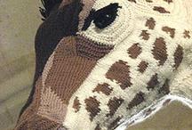 žirafy, klokani, / háčkované