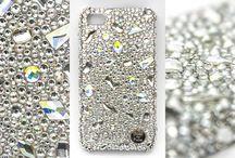 Hand Made Covers with Swarovski / Hand Made Covers with Swarovski rhinestones. Wykonywane na zamówienie okładki z poliwęglanu oraz wspaniałych kamieni marki Swarovski. Prestiż i ochrona dla twojego telefonu!
