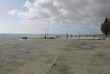 Menidi / A quiet seaside destination with no room for turbo-tourism