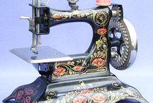 Maquina de costurar  antigas..... / Na alma ninguém manda.... ela simplesmente fica onde se encanta...