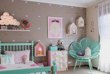 Pink, mint green and grey kids room
