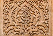 ornament w drewnie
