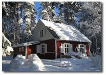 Winter / Breezy winter gives you an excellent opportunity to go ice fishing, skiing or downhill skiing. If you desire to explore some extreme activity, you can participate to snow mobile safari. After outdoor activities you can rest and warm yourself up in Aurinkoranta cottages and villas.