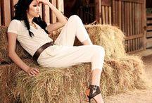 Farm Girl Fashion / Farm senior picture ideas. Farm girl senior picture ideas. Farm senior pictures. Farm girl senior pictures. Farm fashion. / by Seniors by Photojeania