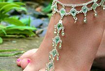Šperky . nohy/foot