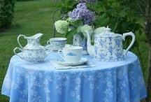 Mesas en el jardín