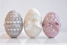 Uova Pasqua decorate uncinetto