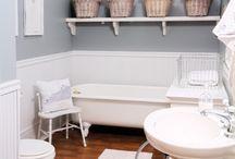 Bathrooms I Love / by Tiffany Beasley