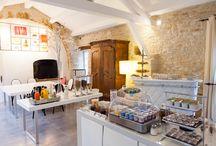 Petit-déjeuner / Prenez votre petit-déjeuner au Mas du Terme dans une ambiance chaleureuse, pour bien démarrer la journée.
