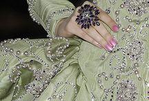 Výšivky,zdobení oděvů..bižuterií aj.  Různé materiály.......