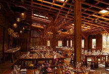 York Maze Wedding Venue / Rustic barn wedding venue in York.