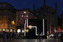 e-QBO in Piacenza / Our contemporary off-grid architecture was the heart of Piacenza main square, piazza Cavalli, during last summer. A cultural hub offering services for citizens and hosting a bunch of different events throughout the hot months. All of it powered only by the energy produced by the PV skin integrated in the architecture. Have a look!