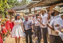 Mini Wedding ❤ / Uma forma charmosa e intimista de celebrar, o Mini Wedding é uma comemoração aconchegante e com muita proximidade entre os noivos e os convidados, além de ser repleta de amor! #miniwedding #miniweddinginspiration