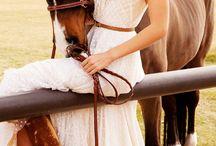 MOODBOARD: Equestrian