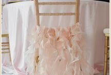 Ideal Gold Chiavari Chairs / We have these gold chiavari chairs at Ideal Wedding and Events in Sioux Falls, SD