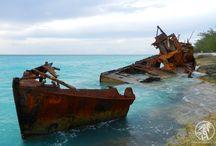 """Bimini """"Gallant lady"""" shipwreck / a rusted shipwreck"""