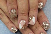 Украшение гелевых ногтей
