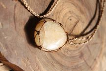 Collares macrame sencillos con piedras