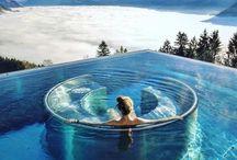 Die schönsten Hotels der Welt ♡ / Hier findest du Hotels und Unterkünfte mit dem gewissen Etwas: Seien es spektakuläre Infinity Pools, atemberaubende Aussichten, eine einzigartige Lage oder besondere Kreativität.
