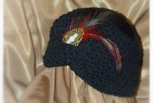 Made in San Sebastián / Prendas realizadas a mano en punto y ganchillo. Conjuntos, gorros, prendas de ceremonia.