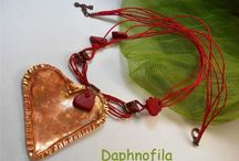 Daphnofila necklace featured Jewelry Making Journal