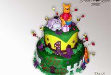 Dečije torte za prvi rodjendan / www.pocoloco.rs Želite moderno ukrašenu tortu koja je pritom kao po receptu iz bakine kuhinje? Nudimo veliki izbor torti izrađenih od najkvalitetnijih sastojaka (maslac, plazma keks, slatka pavlaka, orasi, lešnici, bademi, šumsko voće...) po tradicionalnim receptima. Kvalitet naših torti garantuje i HACCP standard! Dostavu u Pančevu, Beogradu, Vršacu (po dogovoru i šire) vršimo klimatizovanim vozilima.