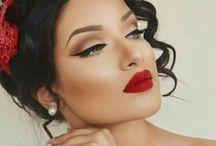 Opdracht Moodboard Pin Up / Haar en make up voor de presentatie van mijn model