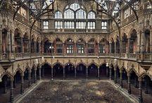 Vervallen gebouwen / old buildings,ruins