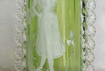 Mary Gregory Glass / I really love Green Gregory Glass.