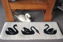 Hooked on Wool / Be inspired by hooking rugs made of pure New Zealand wool
