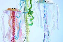 medůzy z papírových talířků